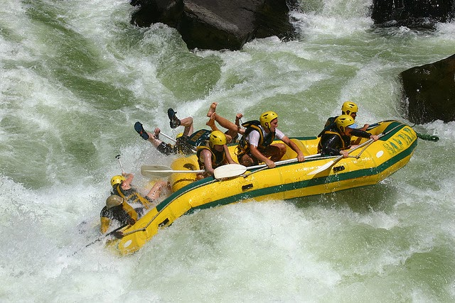 Rafting-in-Zambezi_River