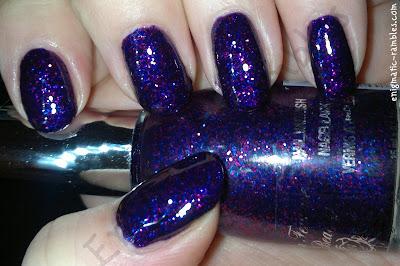 la-femme-purple-glitter-swatch