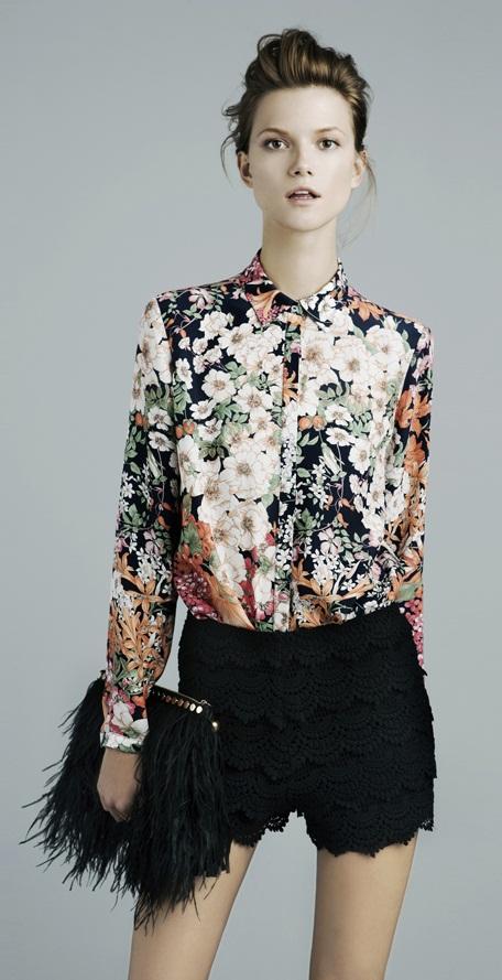 Zara es la cadena de moda española más internacional con colección para mujer, hombre y niño. Hojea sus lookbooks y descubre las prendas que se llevarán esta temporada.
