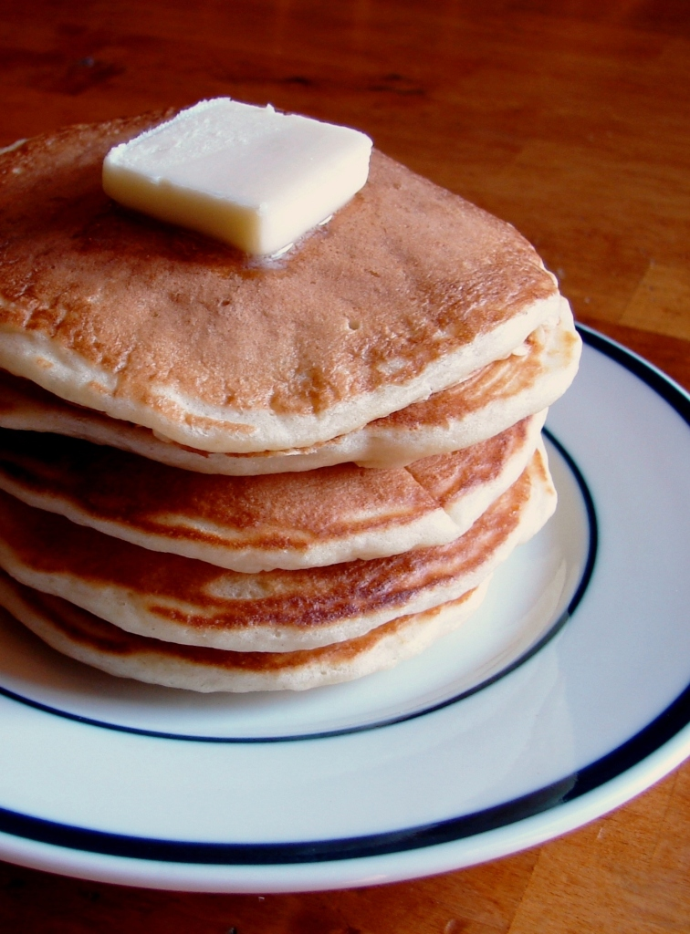 Nummy Kitchen: Old Fashioned Buttermilk Pancakes