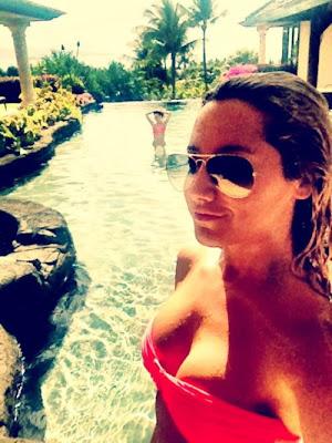 ashley tisdale en bikini