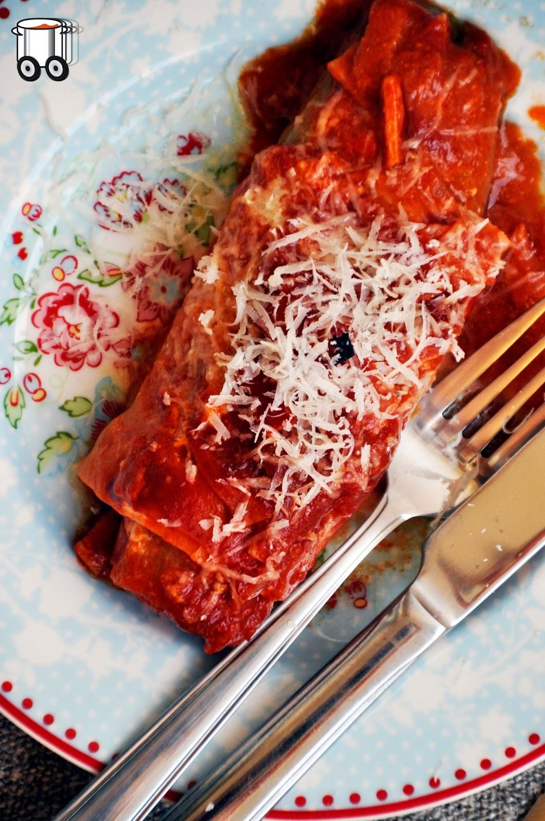 Szybko Tanio Smacznie - Cykorie zapiekane w sosie pomidorowym