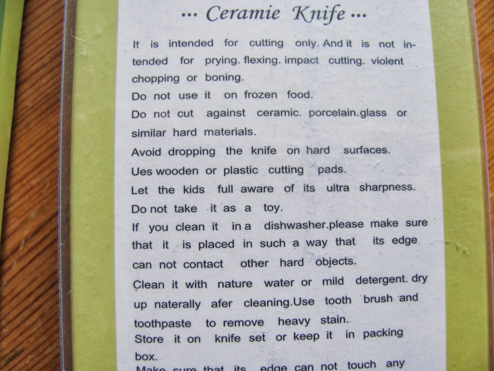 Warnings of the ceramic knife told in poorly-translated English