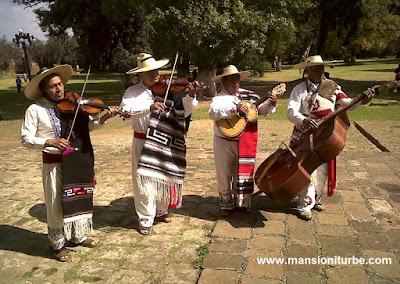 Pireris, cantadores de Pirekuas en Tzintzuntzan, Michoacán