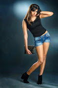 Actress Deepa Sannidhi Glamorous Portfolio-thumbnail-9
