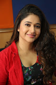 Poonam Bajwa at Radiocity fm station-thumbnail-7