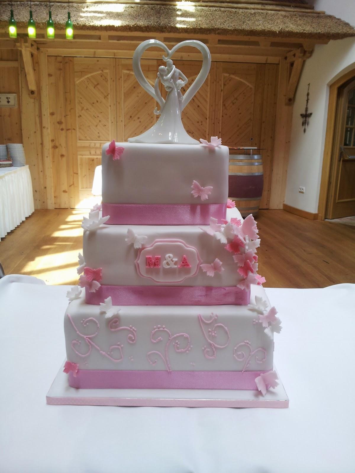 Torten Cupcakes By Sibl Hochzeitstorte In Rosa Weiss