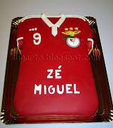 Camisola Benfica 2013. O Zé Miguel poderia ter escolhido qualquer tema para .