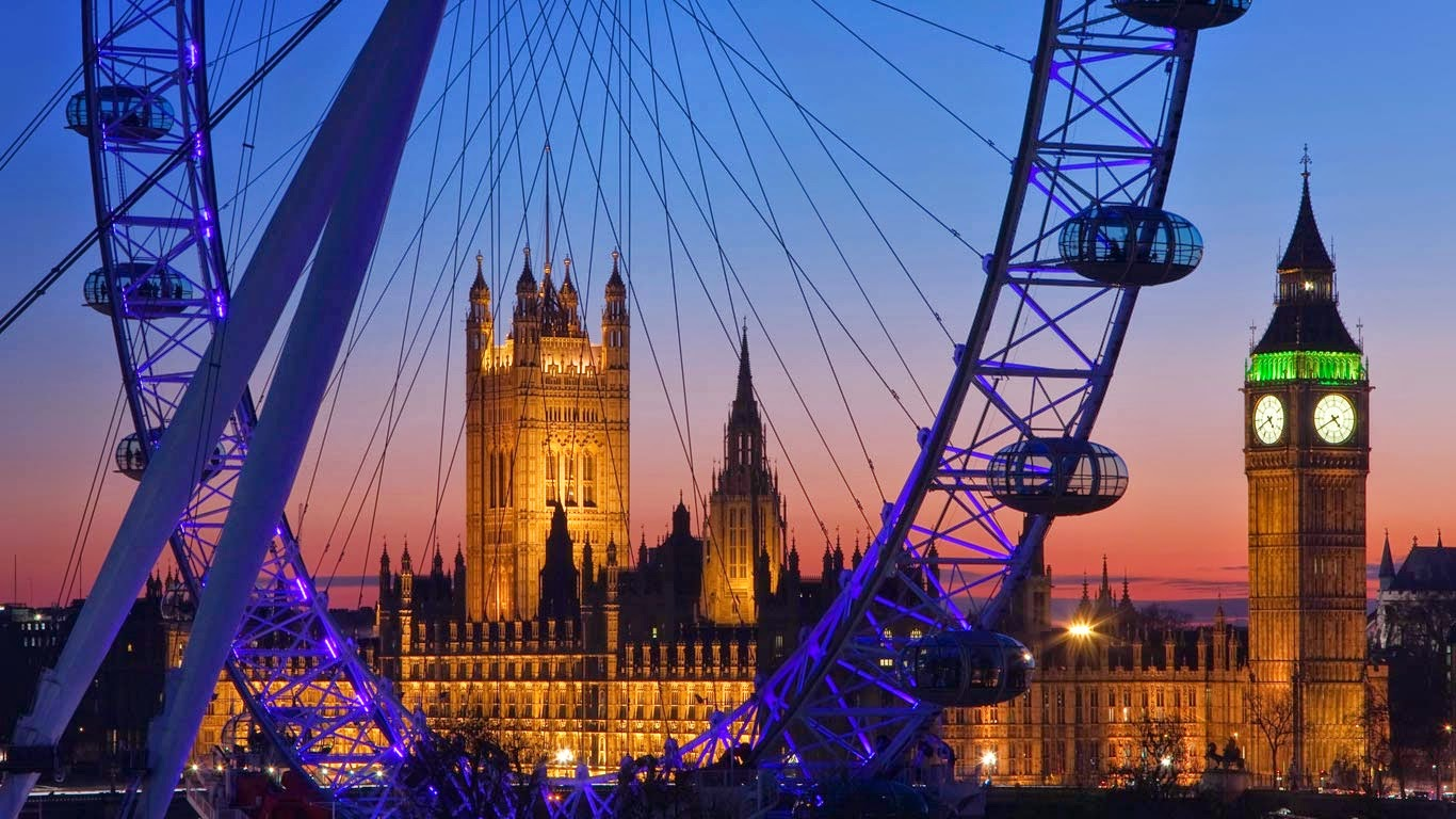 London Eye, Big Ben, and Palace of Westminster, London (© Gavin Hellier/Alamy) 218