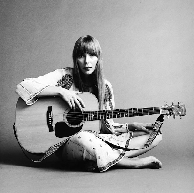 Joni Mitchell - Page 2 %2760s+Celebrity+Photos+Found+In+A+Closet+%281%29
