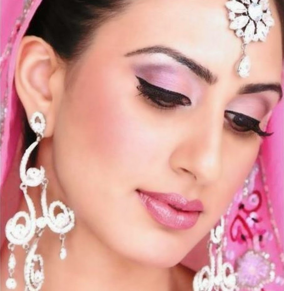 Most Beautiful And New Look Bridal Wedding Makeup 2014 ...