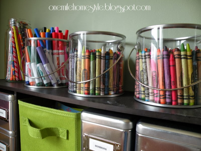 Crayon and marker clear storage