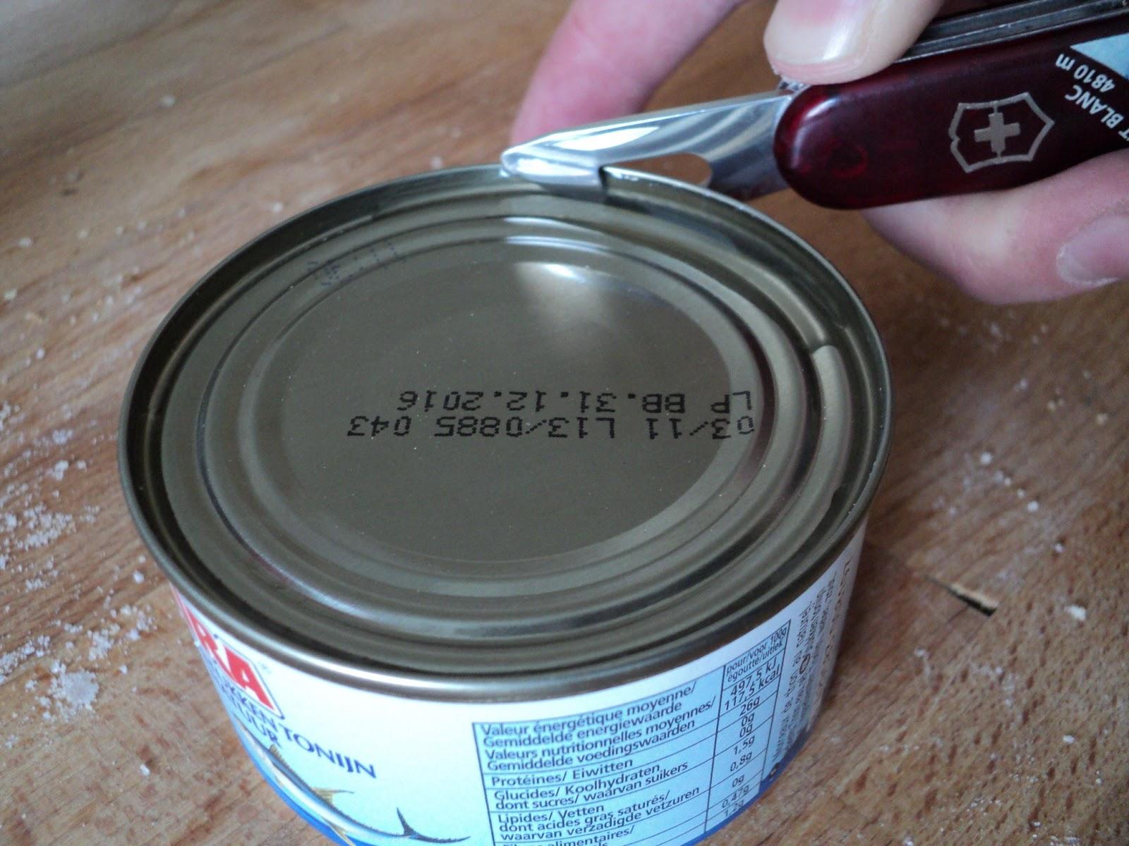 Coutellerie au chat comment ouvrir une boite de conserve avec un couteau sui - Comment ouvrir une boite de conserve sans ouvre boite ...