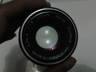 lensa Olympus om-10 tampak depan