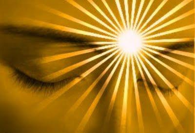 Terceiro olho iluminado, chacra ajna em luz, chakra entre os olhos
