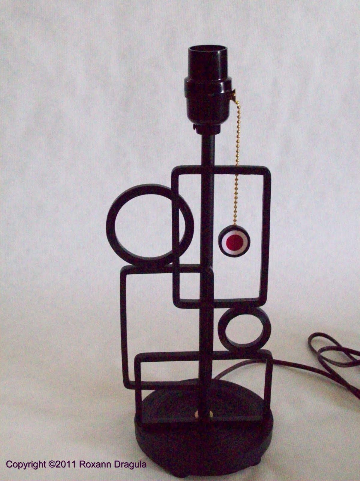 http://1.bp.blogspot.com/-SxLaRomTVAI/Tig0z7m7a3I/AAAAAAAABbE/kfxMR08zm3A/s1600/Quilled+Faux+Wrought+Iron+Lamp+No+Shade.jpg