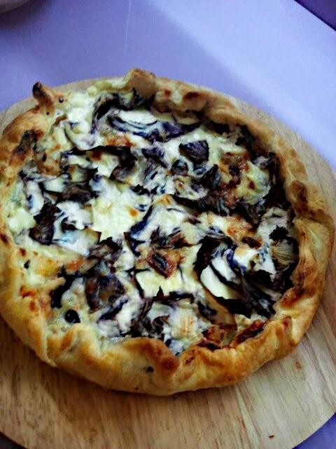 torta salata radicchio, speck e gorgonzola