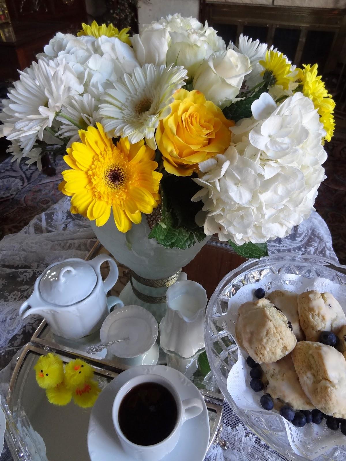 http://1.bp.blogspot.com/-SxhUnjnOIws/T1Q9_cxmSDI/AAAAAAAABRI/HkqeTyieLQg/s1600/blog+yellow+white+tea+1.jpg