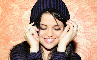 Selena-Gomez-Latest-Wallpaper-2.jpg