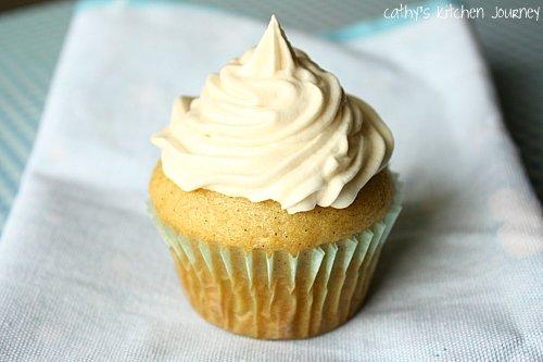 ... kitchen journey: Vegan Vanilla Bean Cupcakes with Vanilla Frosting