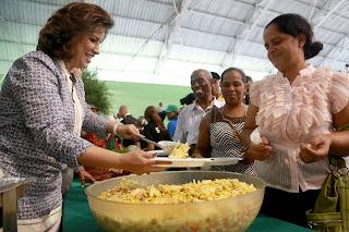 Vicepresidencia agasaja 500 familias Prosoli de San Cristóbal