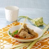 Hidangan Idul Fitri: Ketupat Lebaran dan Opor Ayam Spesial