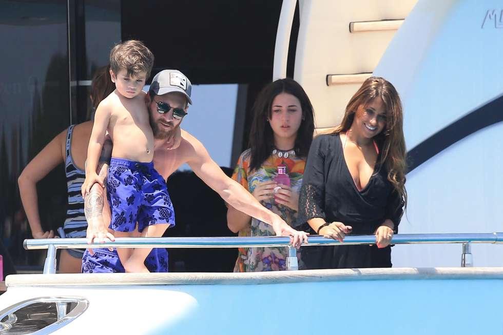 Yachts Duel In Ibiza Messi Vs Ronaldo MRSPORT