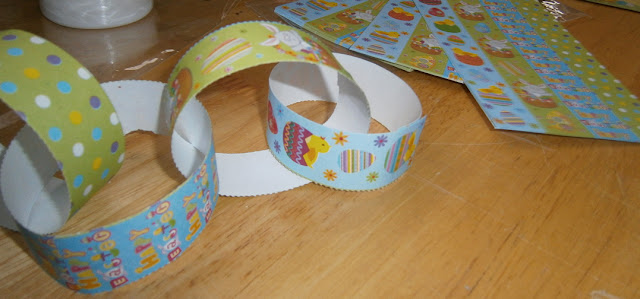 making paper chains easter fun childrens craft