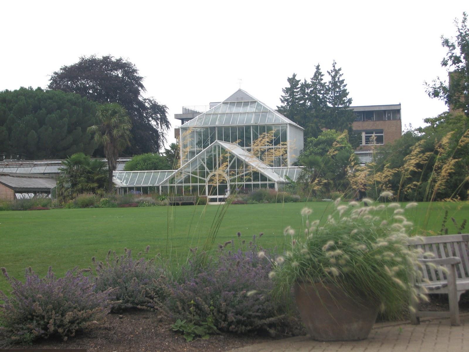 A 40 Acre Oasis Of Gardens In Cambridge S University