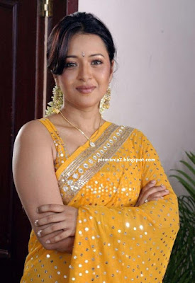 telugu actress Reema sen Sexy hot wet image gallery