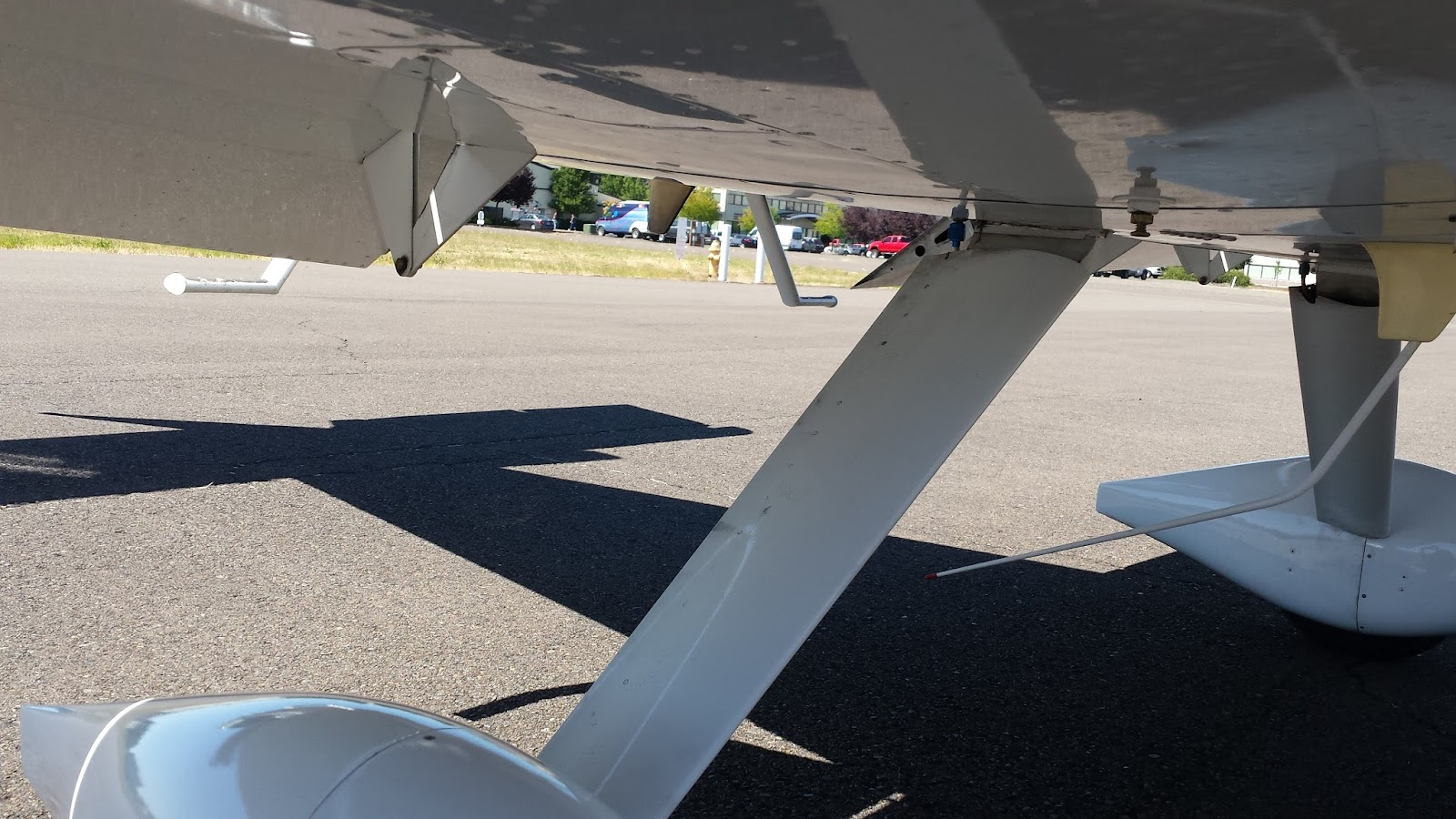 Ride back view of gear legs and right flap underside