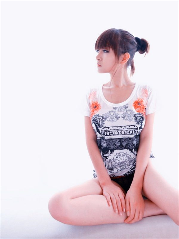 Hua Jia - Up Her Shirt