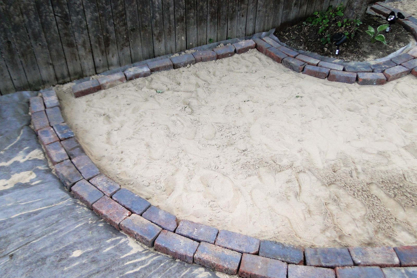 how to put bricks in a circle