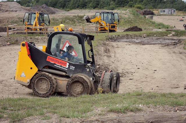 kids activities diggerland