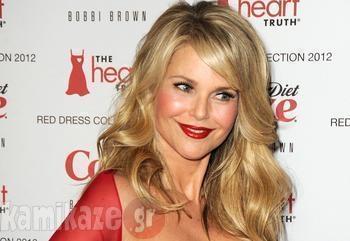 Μπορείτε να μαντέψτε την  ηλικία αυτής της όμορφης  γυναίκας; Θα εκπλαγείτε!