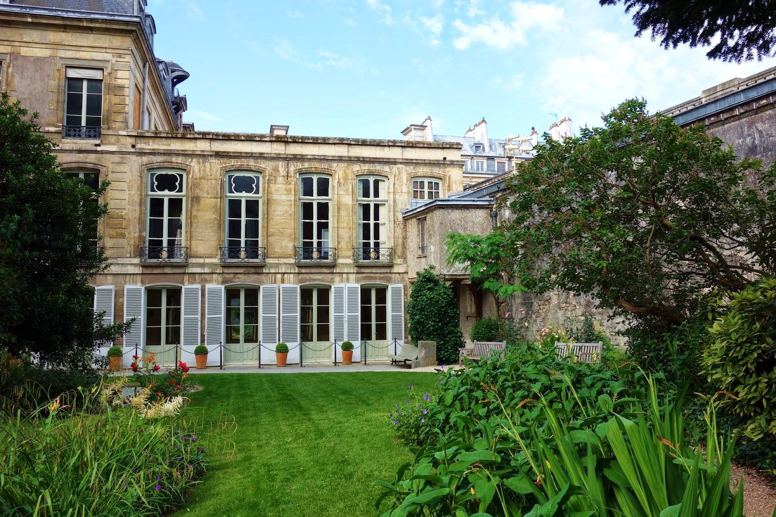 Paris jardins des archives nationales une travers e for Jardins hotel paris