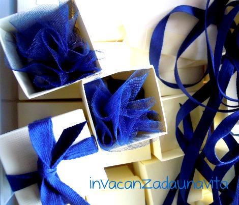 bomboniere bianche e blu per cresima