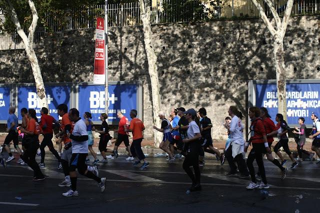 The Istanbul Eurasia Marathon 2012, Runners in Beşiktaş.