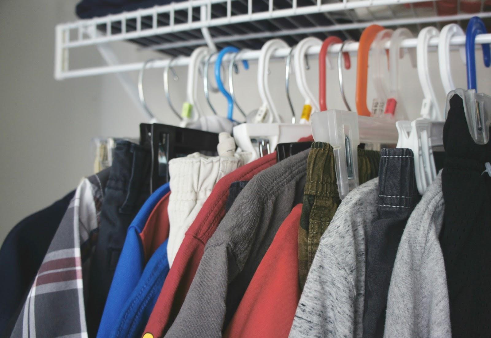 Tips for creating an easy school routine - Kids Clothes Organization - Jimmy Dean breakfast sandwiches #FuelforSchool