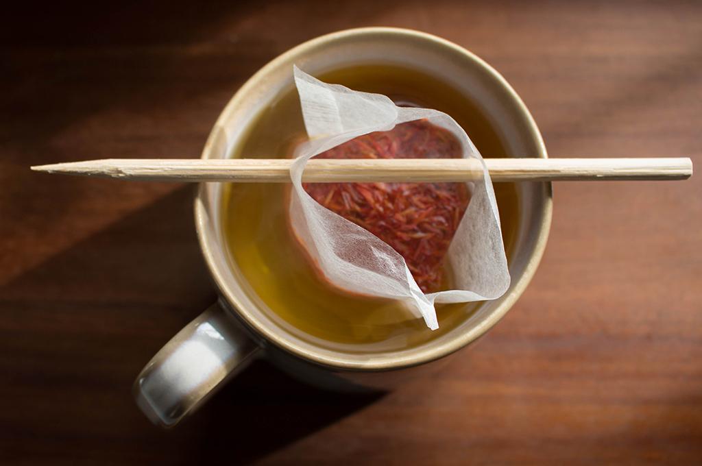Steeping Saffron Tea