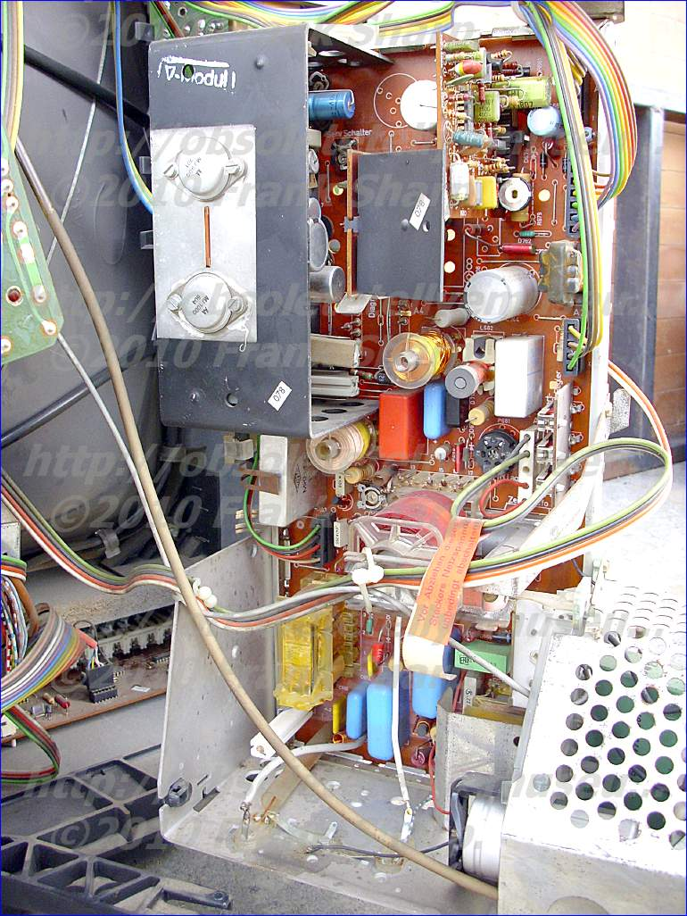 Obsolete Technology Tellye Saba Ultracolor Pro 6773 Telecommander Electric Shock Alarm Circuit1 Basiccircuit Circuit Diagram An Electron Beam Deflection For A Cathode Ray Tube With Electromagnetic By Means Of Sawtooth Current Waveform Having Trace Portion