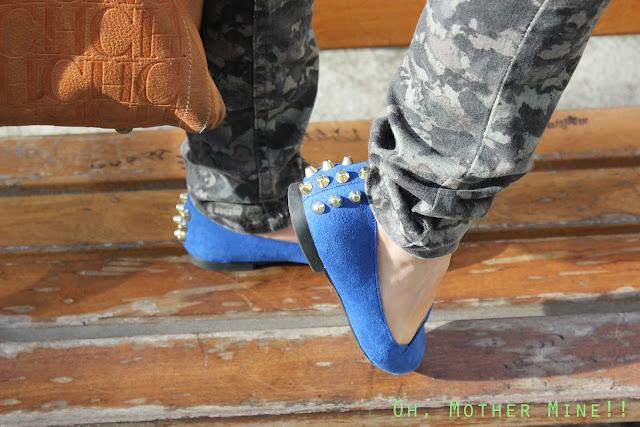 DIY Zapatos tachuelas azul klein / DIY Studded Shoes