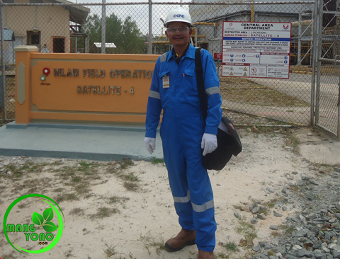 FOTO : Admin di PT. VICO Indonesia.. Satelit 4... Keren ya... hihi..