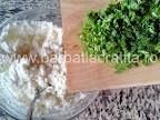 Rulouri de vinete cu branza la cuptor preparare reteta - punem verdeturile tocate