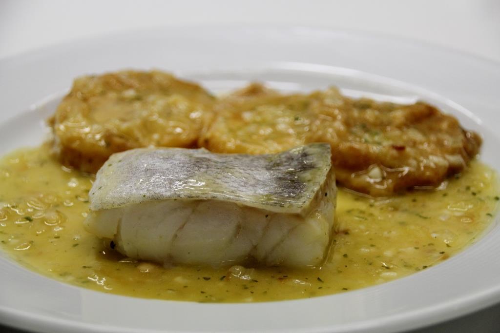 Andosilla gastron mica patatas a la importancia con bacalao - Patatas en caldo con bacalao ...