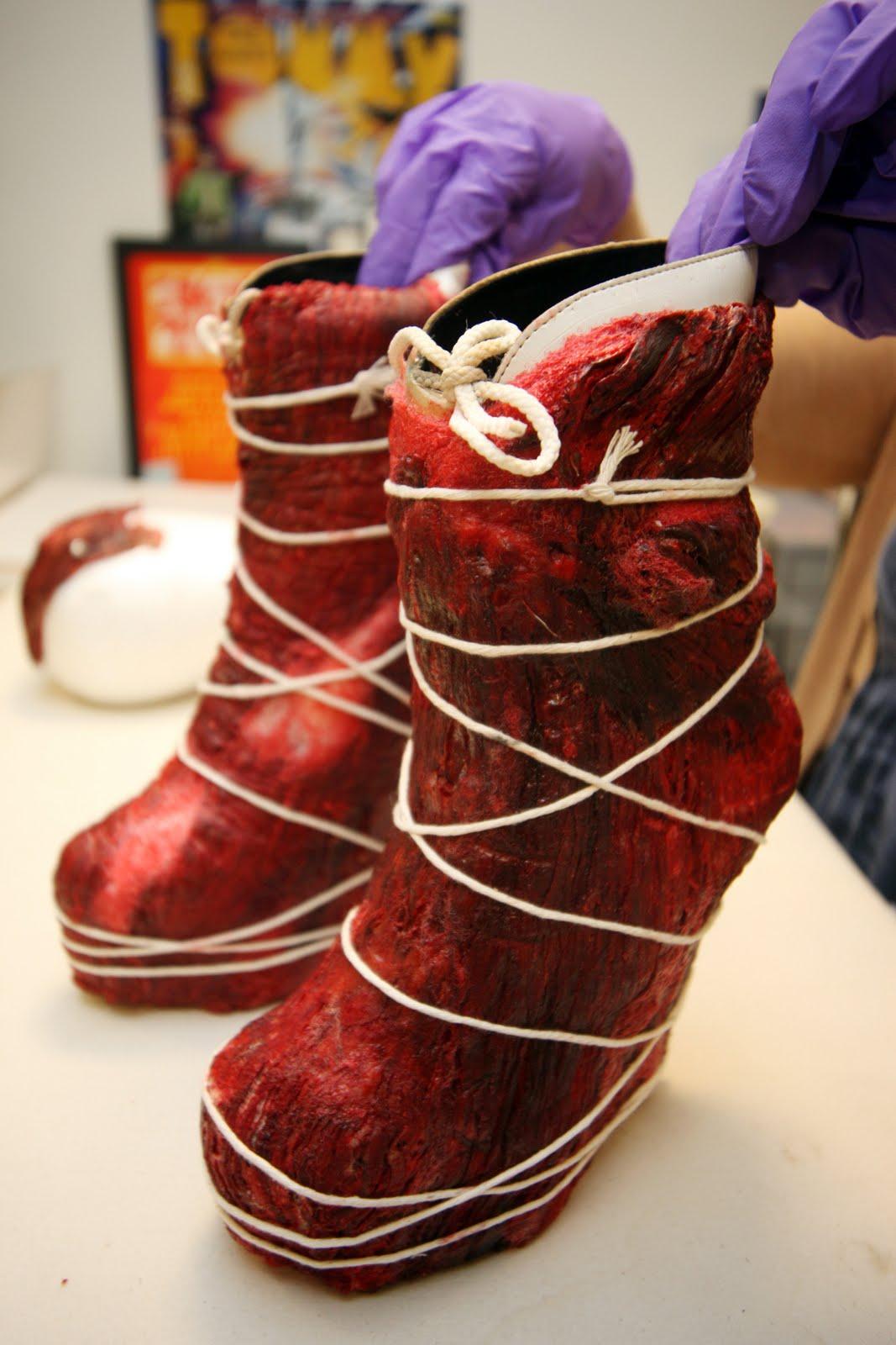 http://1.bp.blogspot.com/-T-Am-1rUweI/Tftduxn2HZI/AAAAAAAAAj8/nGyTJPp7U5Q/s1600/Meat+shoes.jpg