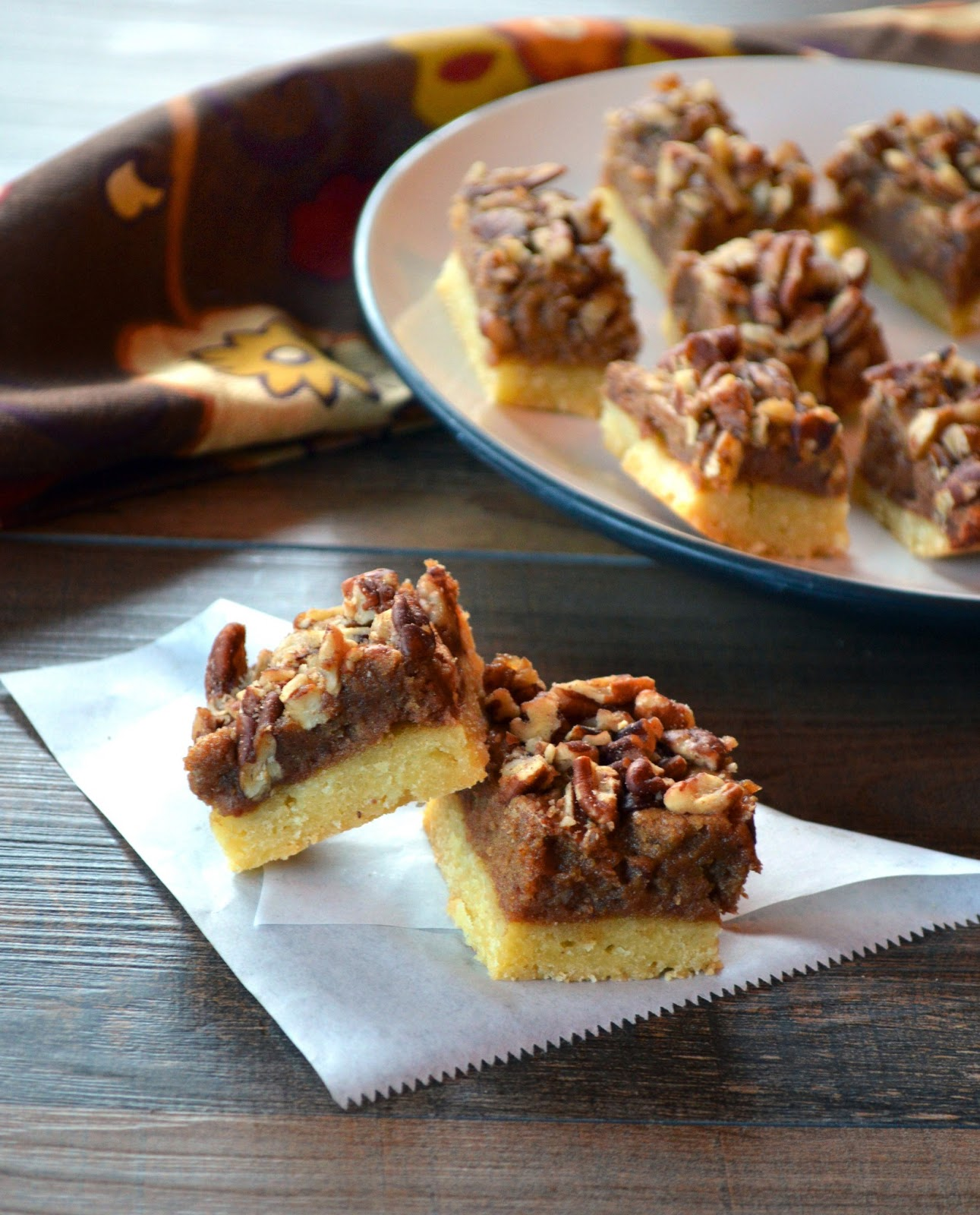 Paleo Girl's Kitchen: Pecan Pie Bars