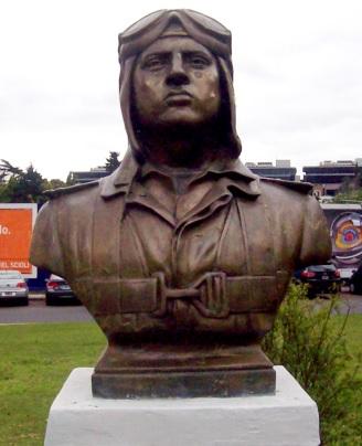 Busto de José Abelardo Quiñones