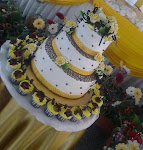 WEDDING STACKED CAKE