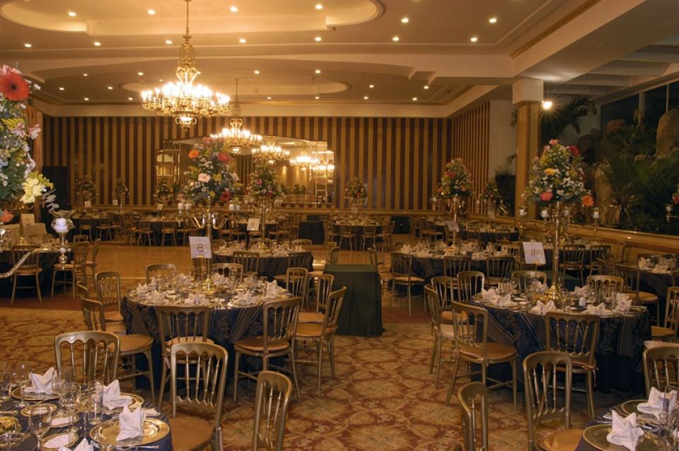 Grupo palacio espectacular sal n de eventos con un estilo for Jardin botanico eventos